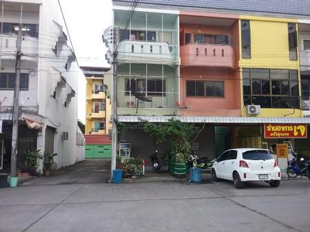 ขายอาคารพาณิชย์ 3 ชั้นพร้อมอยู่ พิณธนา  จ.อุตรดิตถ์