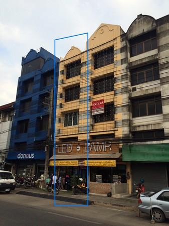 ขายอาคารพาณิชย์ 2 คูหา 4 ชั้นครึ่ง มีดาดฟ้า ติดถนนใหญ่ เนื้อที่ 40 ตรว.จังหวัดเชียงใหม่