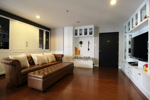 For Sale Condo Belle Grand Ratchada - Rama 9, on 11st floor 3 Bed 101. Sqm,  swimming pool view