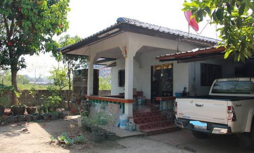 บ้านพร้อมที่ดินขนาด 1 งาน 16 ตารางวา 3 ห้องนอน 1 ห้องน้ำ ใกล้มหาลัยแม่ฟ้าหลวง จังหวัดเชียงราย