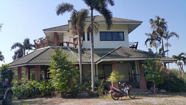 ขายที่ดิน 15-3-29 ไร่ พร้อมบ้านหรู สไตล์รีสอร์ท ติดแม่น้ำบางปะกง บางกระเบา บ้านสร้าง ปราจีนบุรี
