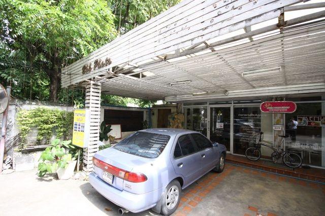 ขายตึกแถว2ชั้นริมถนนลาดพร้าว48 ใกล้รถไฟฟ้าMRT ทั้งสถานีสุทธิสาร และสถานีรัชดา