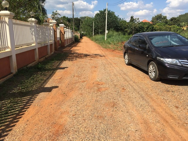 ขายที่ดิน ราคาถูกมาก ปากช่อง 4 ไร่ 2 งาน ใกล้ฟาร์มโชคชัย 3 กิโลเมตร ไม่เปลี่ยว ถนนปูน