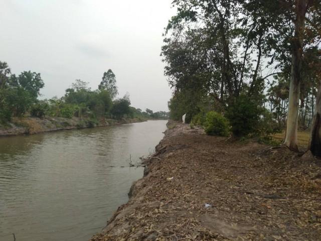 ขายที่ดิน 54 ไร่หน้ากว้างติดถนน 1.2 กิโลเมตรติดคลองส่งน้ำเหมาะทำรีสอต นครนายก