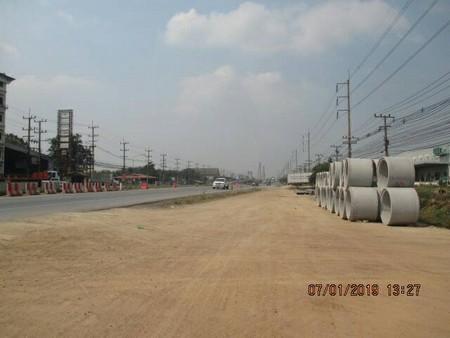 ขายด่วนที่สวย ติดถนนสุวินทวงศ์ ถมแล้วบางส่วน ขนาด 74 ไร่ 1 งาน 42 ตารางวา