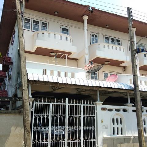 ขาย ทาวน์เฮ้าส์ 3 ชั้น  ถนนพุทธมณฑล สาย 4    4 ห้องนอน   3 ห้องน้ำ