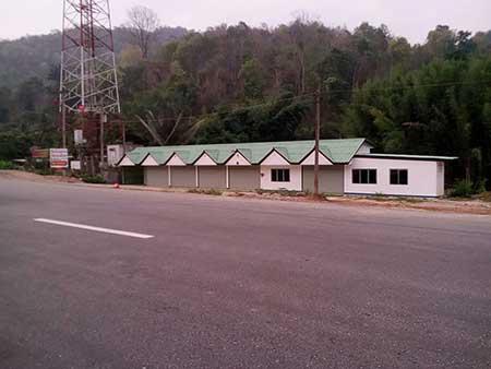 ขายอาคารพานิชย์ ชั้นเดียว 6 คูหา ติดถนนสี่เลน อำเภอดอยสะเก็ด เชียงใหม่ โทร 0858649039