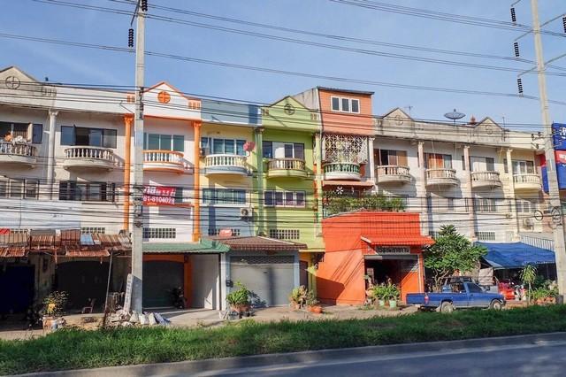 ขายอาคารพาณิชย์ ติดถนนใหญ่ ตกแต่งใหม่หมดทั้งหลัง 25 ตร.วา ถนนบางกรวย-ไทรน้อย นนทบุรี