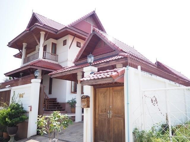ขายด่วน บ้านเดี่ยวทรงไทย2 ชั้น พุทธมณฑลสาย2ซอย10 141ตรว 3นอน สวย ร่มรื่น สร้างด้วยวัสดุคุณภาพ