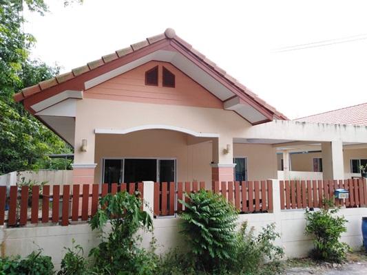 ขาย/ให้เช่า บ้านเดี่ยวชั้นเดียว หมู่บ้าน กองเงิน ...บ้านค่ายระยอง ขนาดเนื้อที่ 44ตาราวา (หลังมุม)