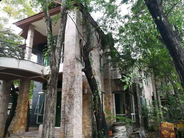 ขายบ้านเดี่ยว 2 ชั้น หลังใหญ่มากเนื้อที่ 396 ตรว.หมู่บ้านนวลจันทร์